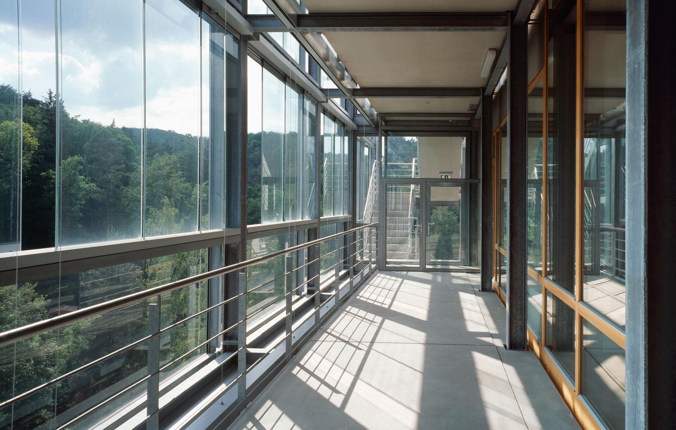 2002, Generalsanierung und Umbau Verwaltungsgebäude LSV, Stuttgart