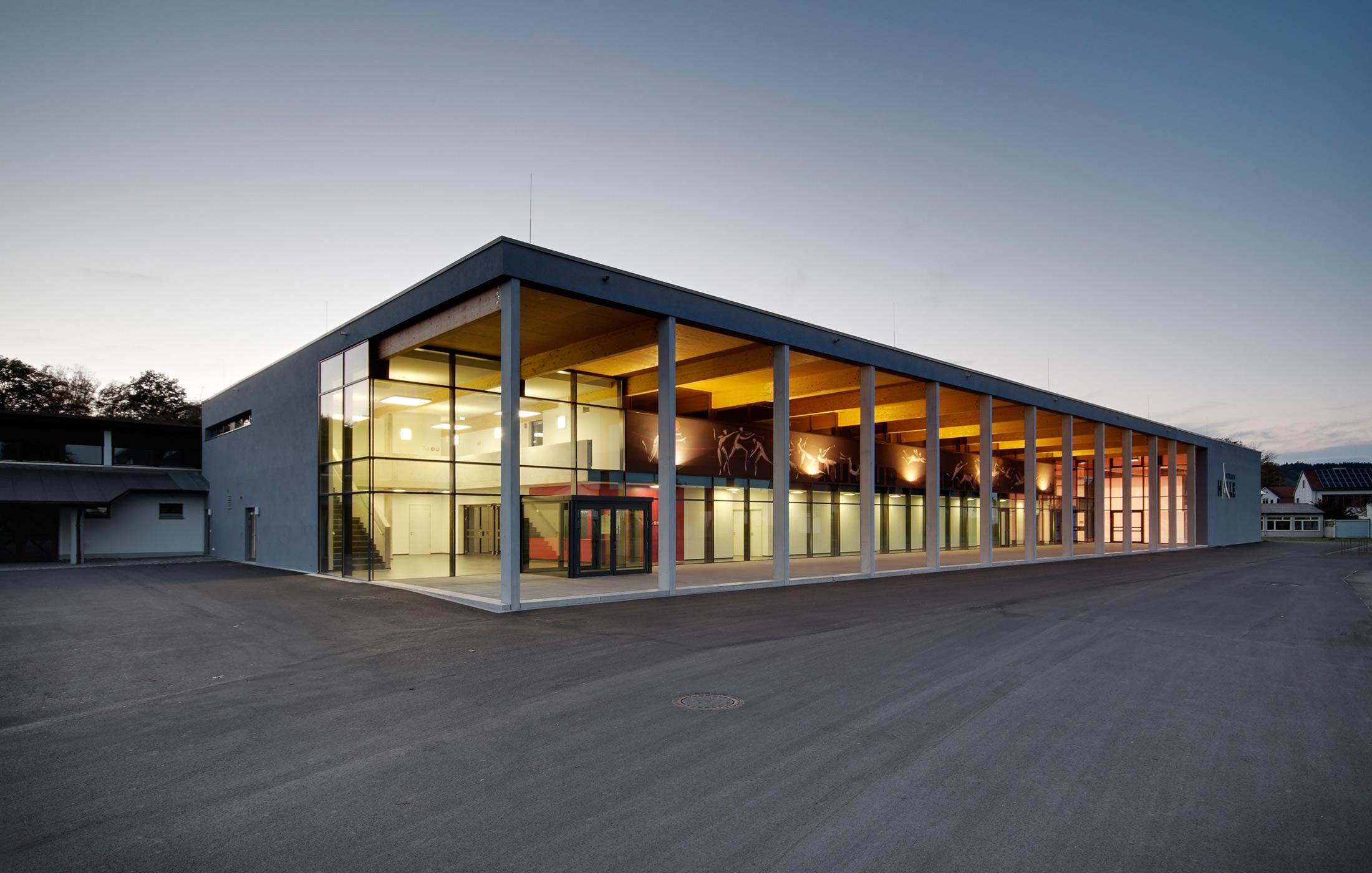 2011, Neubau Sporthalle und Mehrzweckhalle Aitrach