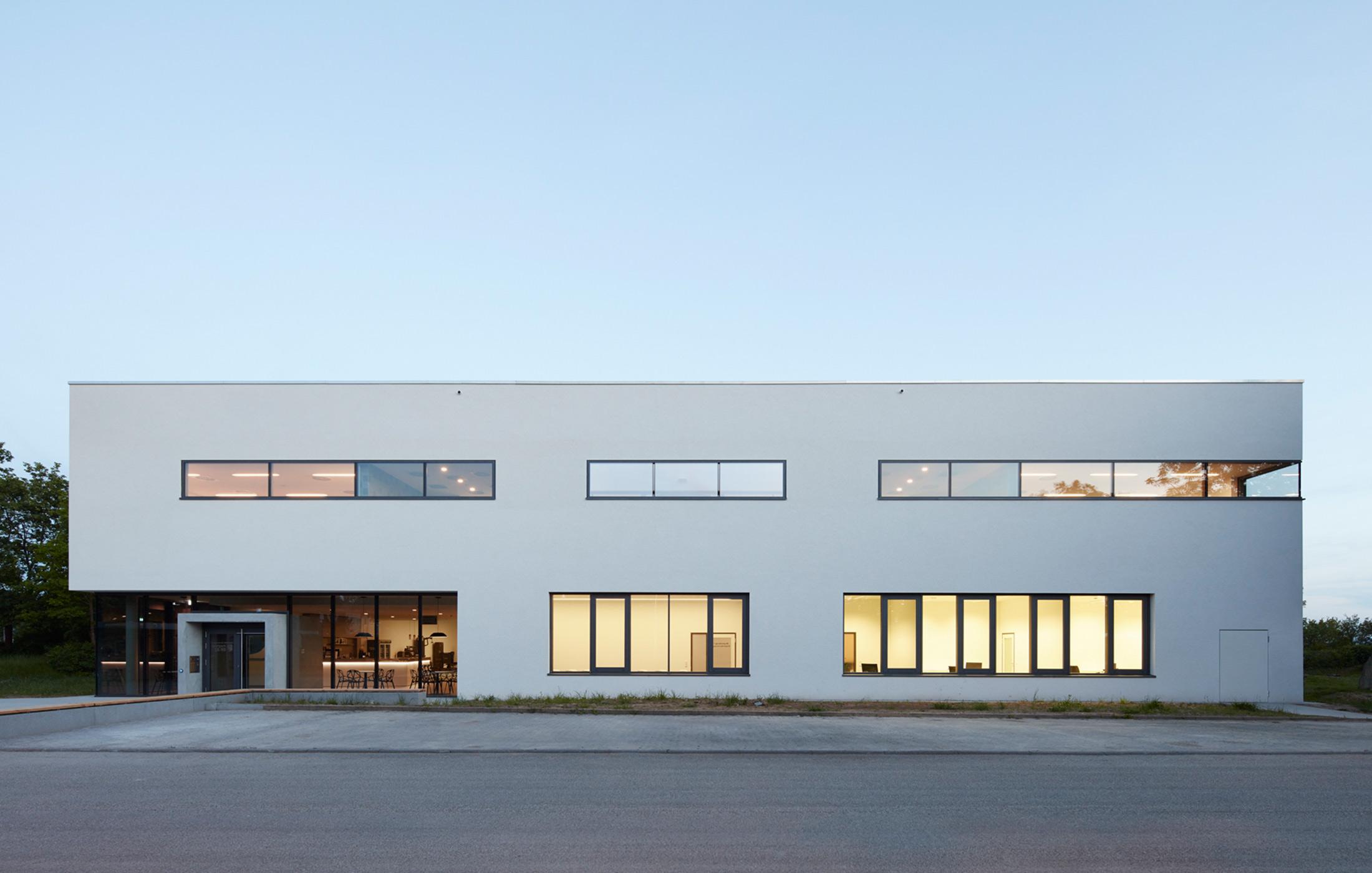2016_Neubau_Sportvereinszentrum_Boeckingen_Generalplanung_Architektur