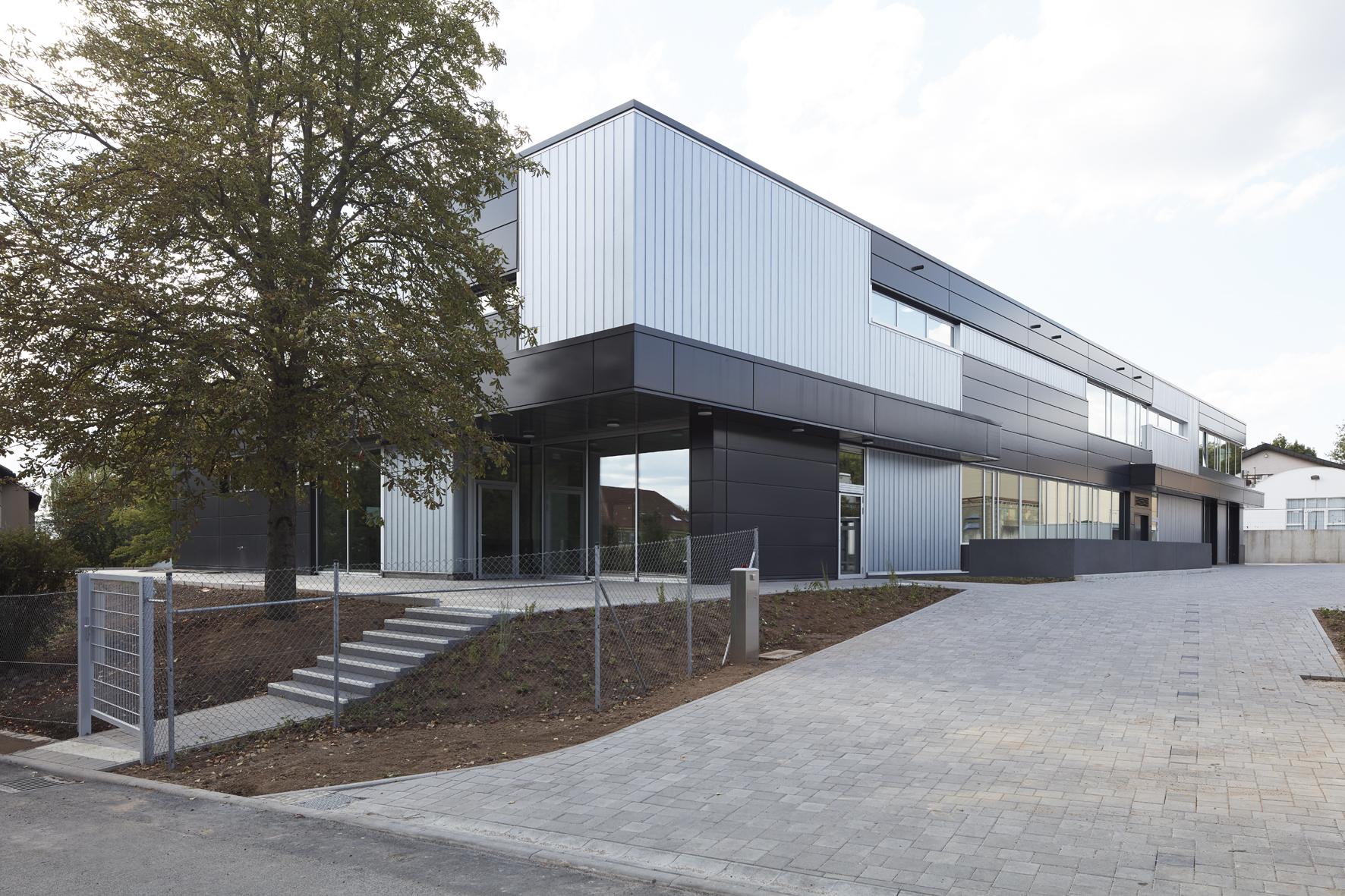Schul- und Werkstattgebäude Nikolauspflege_samba 001